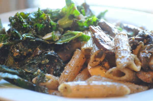 Mushroom Pesto Pasta with Kale Chips